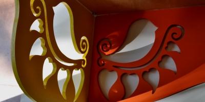 półka na klatkę z ptaszkami
