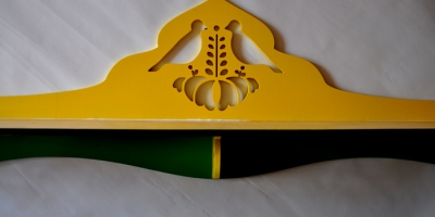 Półka stylowa na ksiażki i zabawki