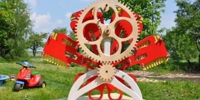silnik z drewna zabawka edukacyjna (1) - Kopia