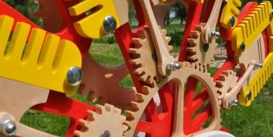 silnik z drewna zabawka edukacyjna (4)